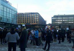 تظاهرات نهادهای مدافع حقوق بشر علیه اخراج اجباری پناهجویان افغانستانی17.02.18