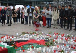 مراسم یاد بود و شمع افروزی برای گرامیداشت از شهدای اخیر در هلسینکی!